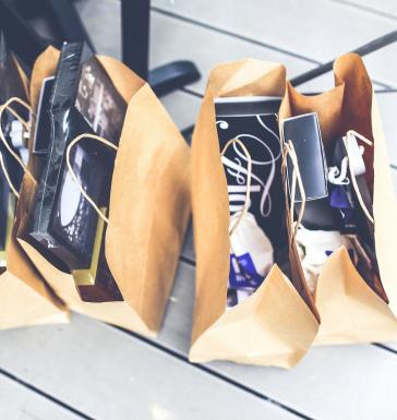 <!--De acordo com o Monitoramento de Mercado ABRASCE – Índice Cielo de Varejo em Shoppings Centers (ICVS-ABRASCE) – em julho a receita nominal de vendas subiu 100,9% em relação a julho do ano passado. Em termos reais, o aumento no mês foi de 84,3%.-->
